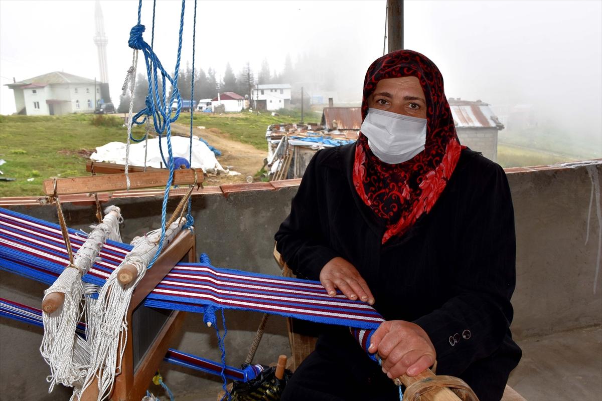 Trabzonlu gelin-görümce, asırlık tezgahta hemençe örüyor #6