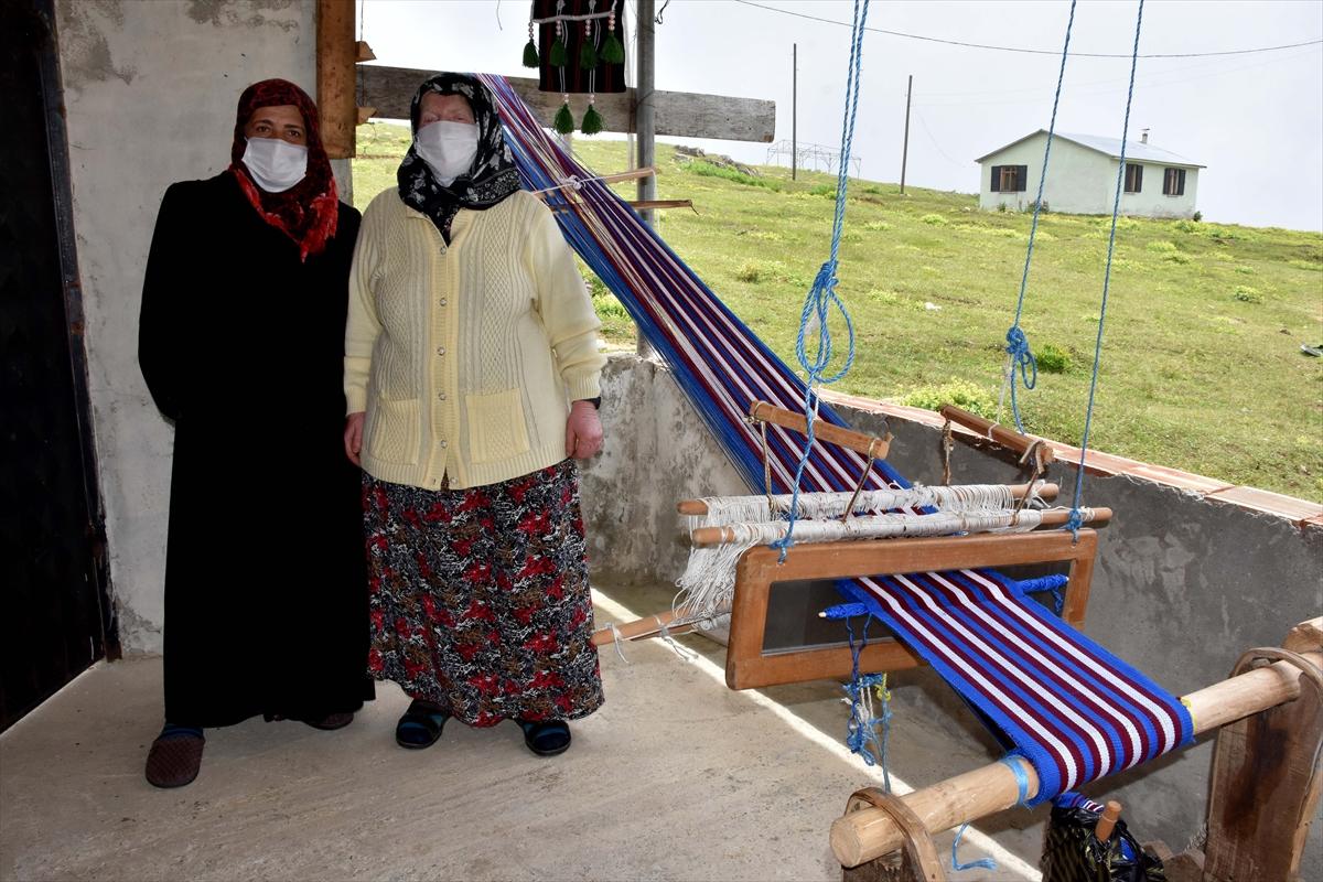 Trabzonlu gelin-görümce, asırlık tezgahta hemençe örüyor #9